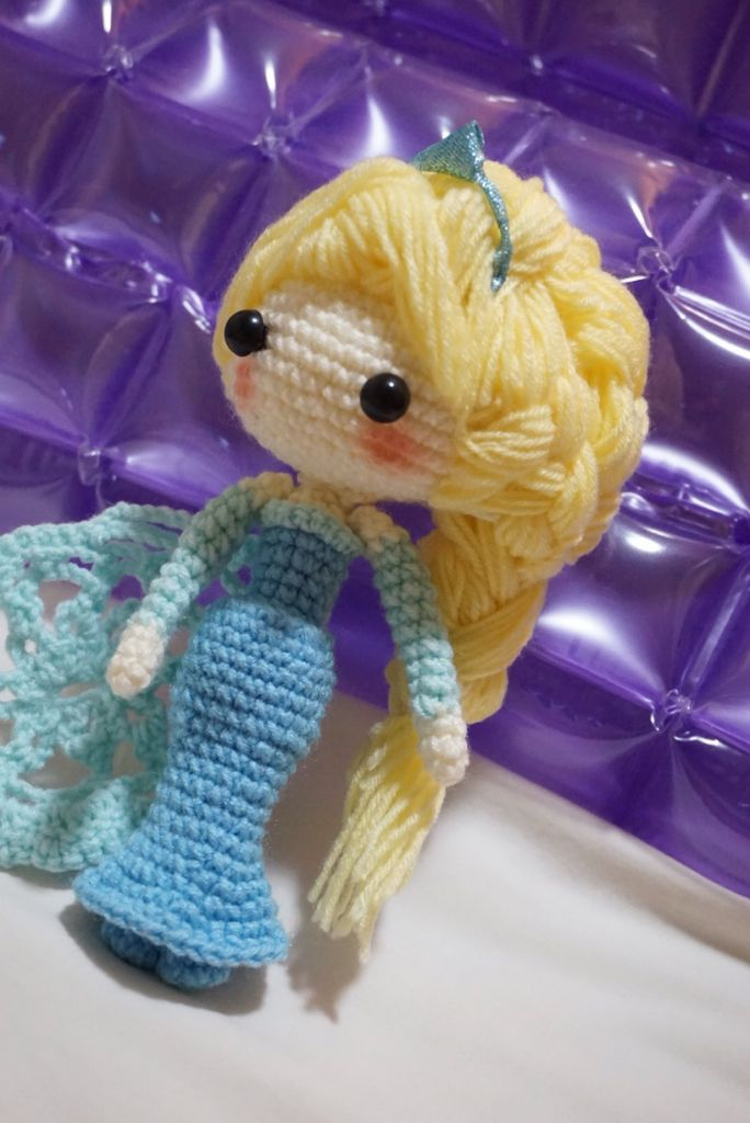 An Amigurumi Selfie – Elsa from Frozen